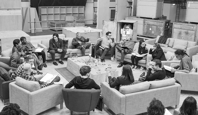 Elenco de novo Star Wars reunido (Foto: Reprodução)