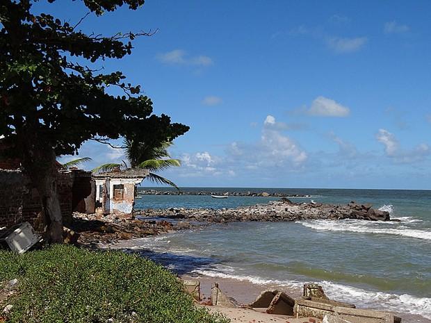 Erosão marinha em Olinda (01) (Foto: Luna Markman / G1)