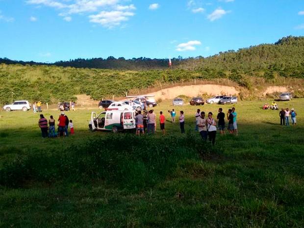 Bombeiros resgataram vítima de acidente de parapente em São Domingos do Prata (Foto: Corpo de Bombeiros de Minas Gerais/Divulgação)