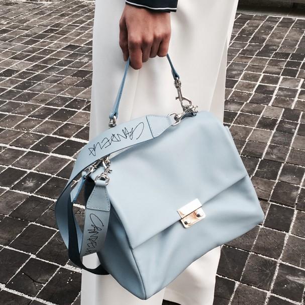 Carolina Herrera lança novo serviço de personalização em linha de bolsas