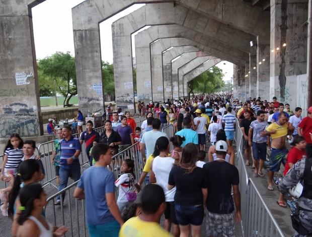 Torcedores Treino seleção Brasil recife (Foto: Elton Castro / Globoesporte.com)
