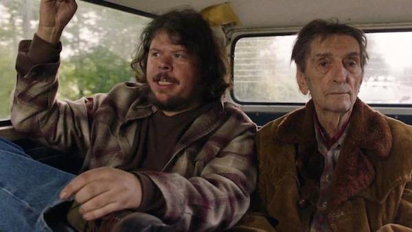 O ator Jeremy Lindholm ao lado de Herry Dean Staton em cena de Twin Peaks (Foto: Reprodução)