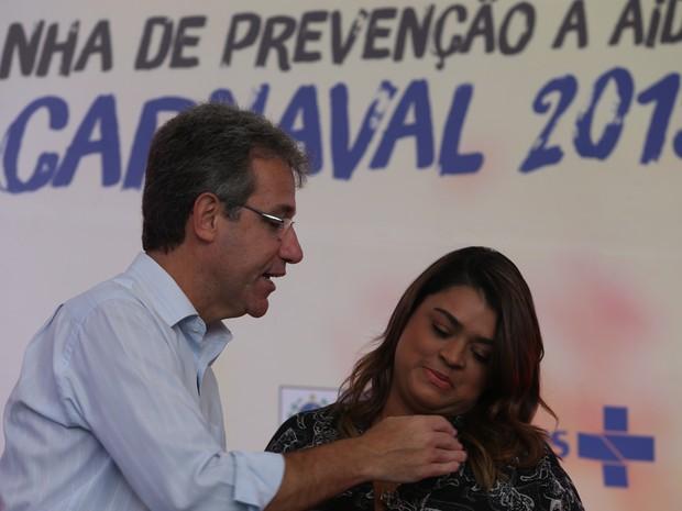 O ministro da Saúde, Arthur Chioro, e a cantora Preta Gil (Foto: Fábio Motta/Estadão Conteúdo)