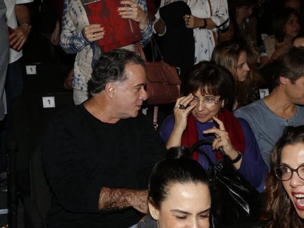 Tony Ramos e a mulher, Lidiane, em estreia de peça no Rio (Foto: Felipe Assumpção e Léo Marinho/ Ag. News)