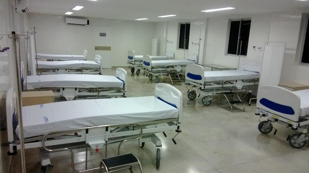 Governador inaugurou nova emergência com 27 leitos, dentre repostos e novos. (Foto: Magno Wendel/ TV Asa Branca)