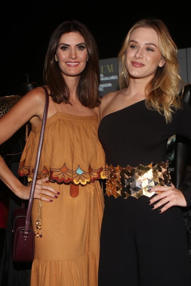 Fiorella Mattheis e Isabela Fiorentino (Foto: Iwi Onodera / EGO)