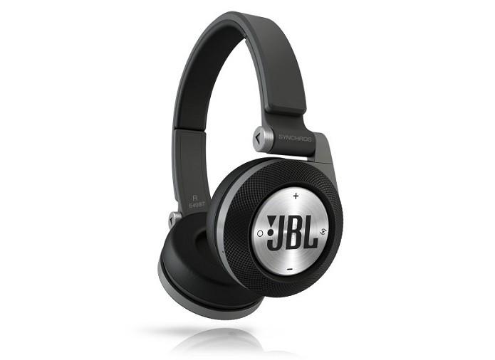 Fone JBL E40 BT suporta até 16 horas de música (Foto: Divulgação)