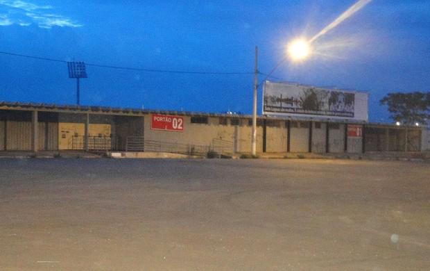 Espaço externo da Arena do Jacaré, em Sete Lagoas (Foto: Marco Antônio Astoni / Globoesporte.com)