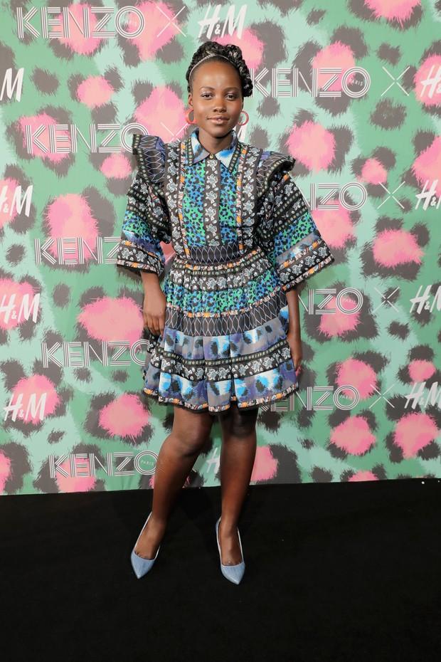 Lupita Nyong'o em evento de moda em Nova York, nos Estados Unidos (Foto: Neilson Barnard/ Getty Images/ AFP)