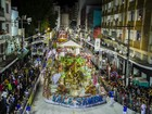Desfiles e blocos animam o carnaval em SC na noite deste domingo (7)
