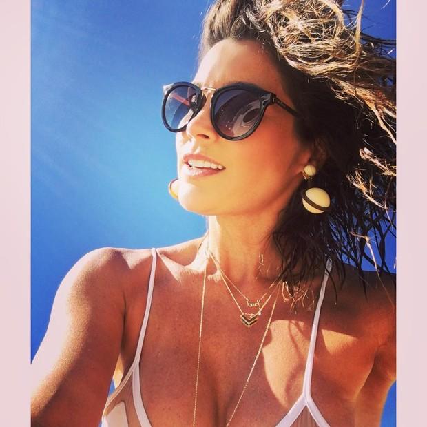 Flávia Alessandra em foto no Instagram (Foto: reprodução/Instagram)