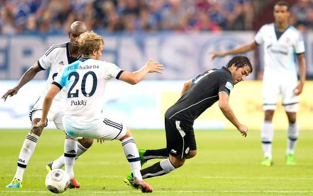 Raul jogo Al-Sadd contra  FC Schalke (Foto: EFE)