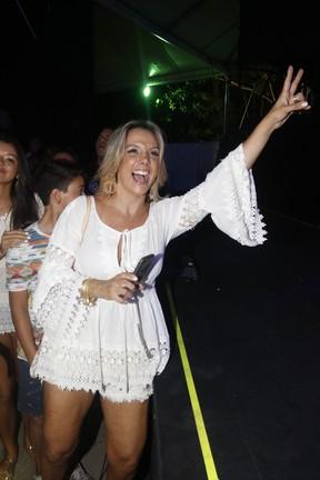 Carla Perez em show em Salvador, na Bahia (Foto: Fred Pontes/ Brazil News)