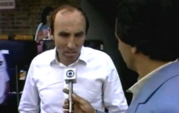 FRAME - Frank Williams reginaldo leme ayrton senna testes fórmula 1 (Foto: TV GLOBO)