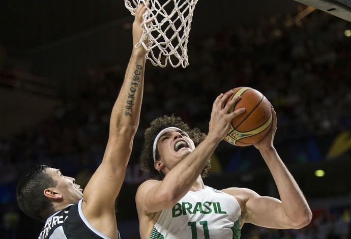 Varejão basquete brasil argentina (Foto: Fiba)