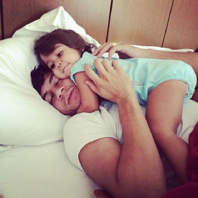 Ganso com a filha (Foto: Reprodução / Instagram)