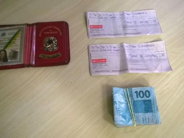 Auditora fiscal presa em Macaé (Foto: Júnior Costa/G1)