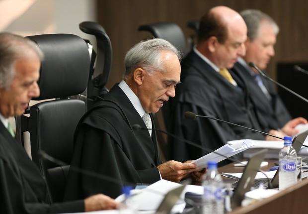 Raimundo Carreiro, ao centro, o novo presidente do TCU (Foto: Lula Marques/ Agência PT)