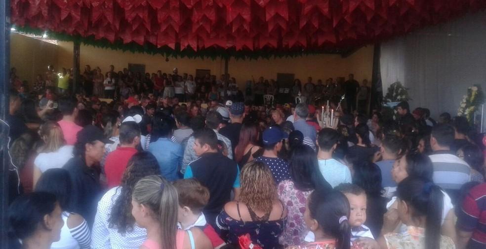 Velório de Eliza Clívia aconteceu em Livramento, na Paraíba (Foto: Flávio Leite/Prefeitura de Livramento)