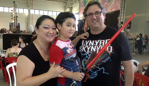 Agacir Cardoso foi à Haru Matsuri com a esposa e o filho (Foto: Divulgação/ RPC TV)