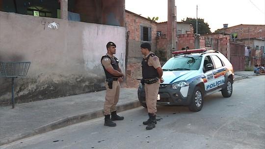 Homens invadem casa na Grande BH e matam duas pessoas, diz PM