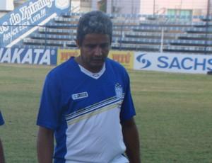 Reginaldo sousa, técnico do Ypiranga-PE (Foto: Vital Florêncio / GloboEsporte.com)
