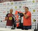 """Marcelo Costa deixa o Joinville com homenagem: """" Eu levo amizades"""""""