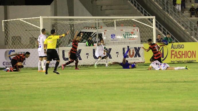 treze x campinense, amigão (Foto: Nelsina Vitorino / Jornal da Paraíba)