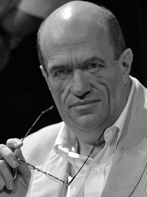 O escritor Cólm Tóibín (Foto: Divulgação/Cia das Letras)