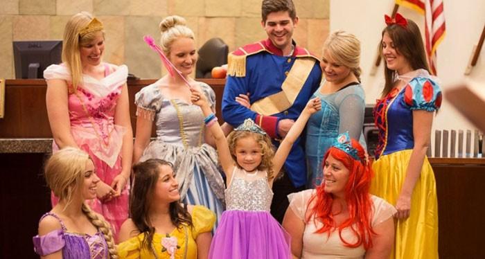 Danielle Koning e todas as princesas que acompanharam a audição (Foto: Divulgação)