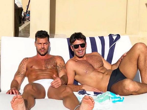 O cantor Ricky Martin com o marido, o artista plástico Jwan Yosef (Foto: Instagram)
