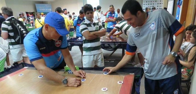 Roberto Fera, futebol de mesa (Foto: João Áquila / GloboEsporte.com)