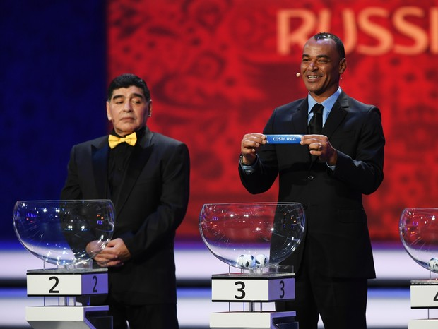 Cafu anuncia rival do Brasil na primeira fase; Maradona olhou torto (Foto: getty images)
