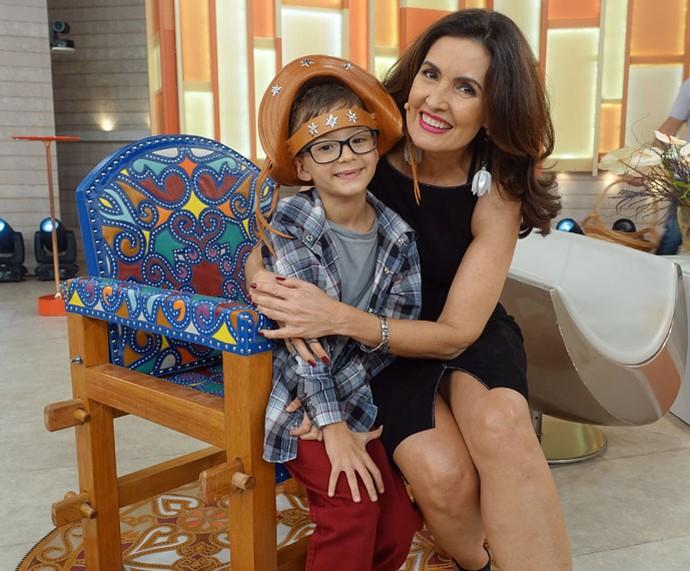 Fofura! Fátima com o convidado João Neto (Foto: Juliana Hippert/Gshow)