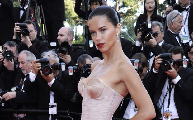 Modelo Adriana Lima no Festival de Cannes (Foto: Getty Images)