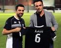 """Falcão é """"tietado"""" por Xavi após sorteio do mundial de futsal no Catar"""