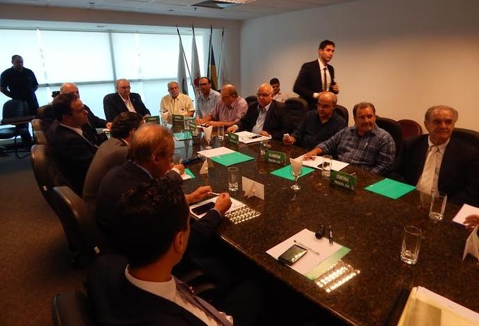 Dirigentes de clubes da Primeira Liga se reúnem na sede do América-MG (Foto: Divulgação/AFC)