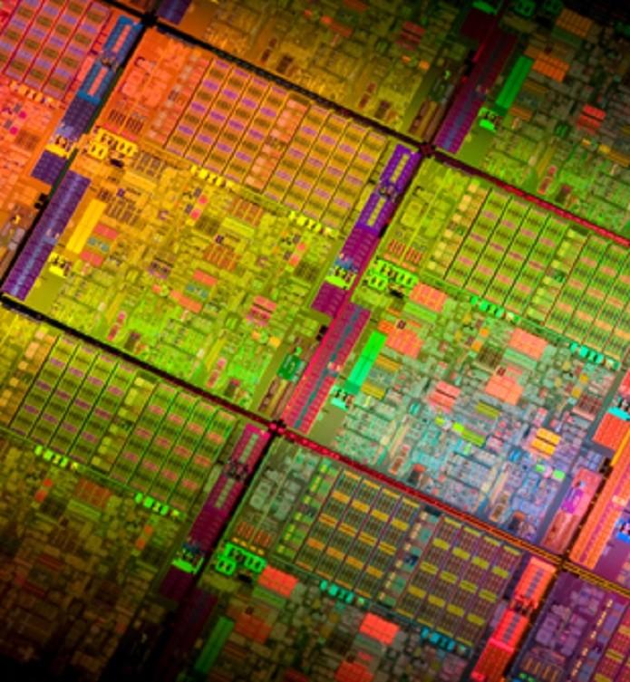 A Lei de Moore diz que o número de transistores nos processador dobraria a cada 18 meses (Foto: Divulgação/Intel)
