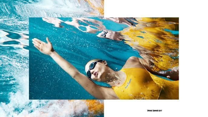Karlie Kloss: natação (Foto: Divulgação)