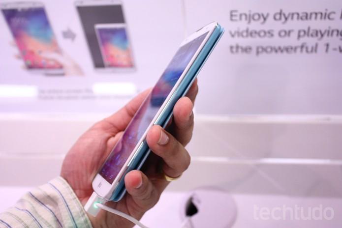 Bordas do G Pro 2: suavidade ao aparelho, apesar do tamanho (Foto: Allan Melo / TechTudo)