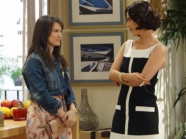 Carolina convence com a cara de boa moça (Foto: Guerra dos Sexos / TV Globo)