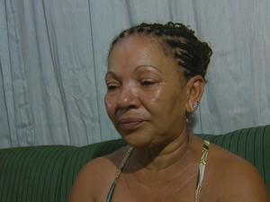 Feirante Gilvanete Barbosa defende a filha, que deixou bebê para ir trabalhar (Foto: Reprodução / TV Globo)