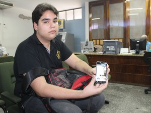 Estudante Jomásio Barros denunciou o vazamento do Enem na Polícia Federal (Foto: Gilcilente Araújo/G1)
