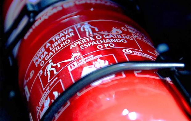 Extintor automotivo (Foto: KDM)
