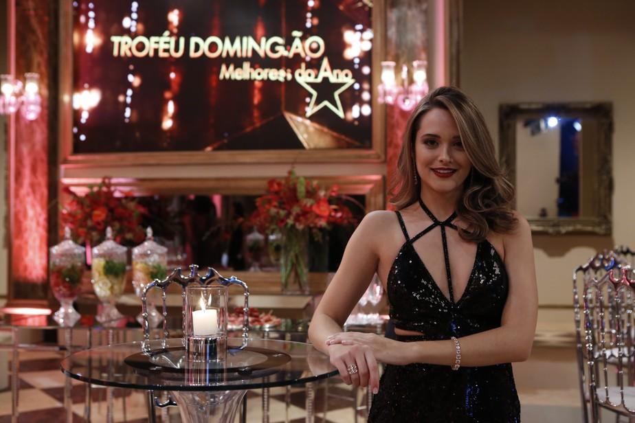 Look de Juliana Paiva no 'Melhores do Ano' é o mais votado em enquete do Gshow