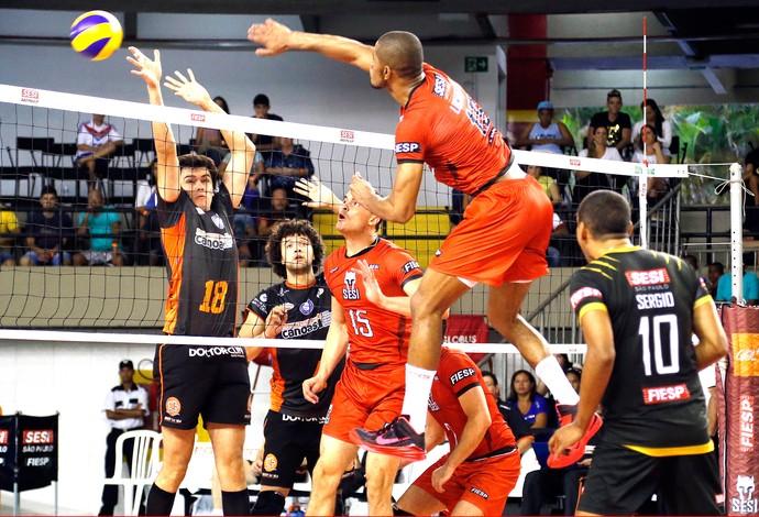 Sesi-SP X Canoas - Super Liga de vôlei (Foto: Ayrton Vignola / Sesi)