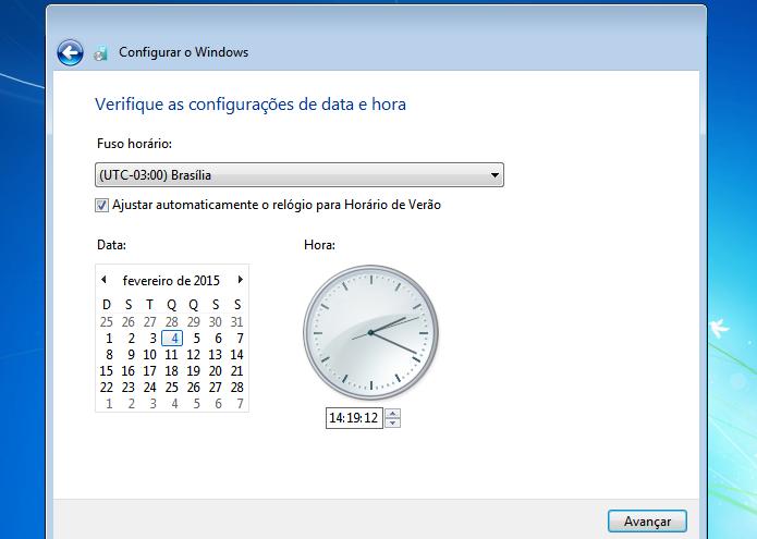 Escolhendo as configuração de data e hora do sistema (Foto: Reprodução/Edivaldo Brito)