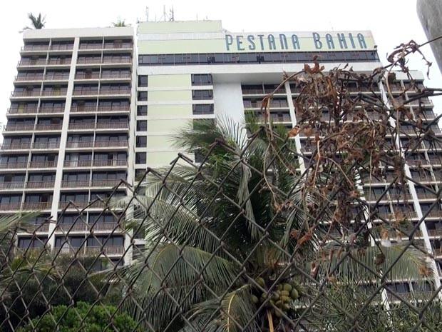 Paralisação de trabalhadores de hotel na Bahia (Foto: Imagem/ TV Bahia)