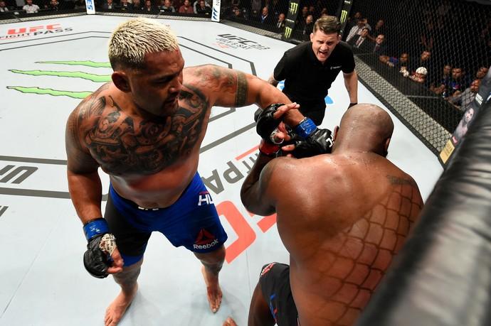 Mark Hunt x Derrick Lewis UFC Auckland (Foto: Getty Images)