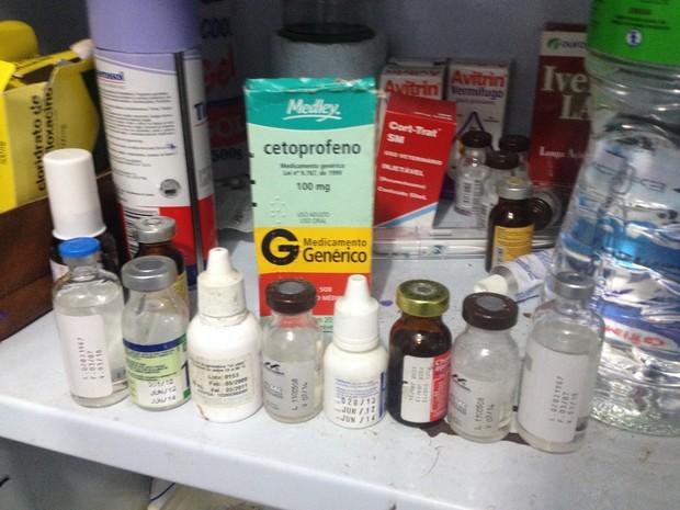 Medicamentos dados aos animais estariam vencidos (Foto: Divulgação/OAB)